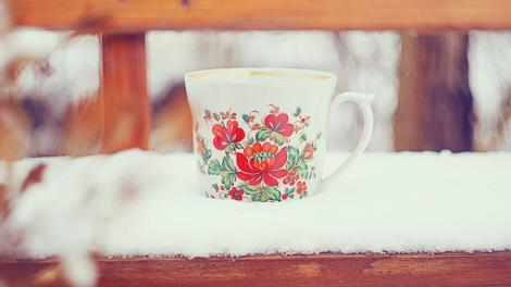 hot_coffee_on_a_cold_winter_s_day-960233