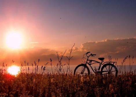 biking-at-sunrise